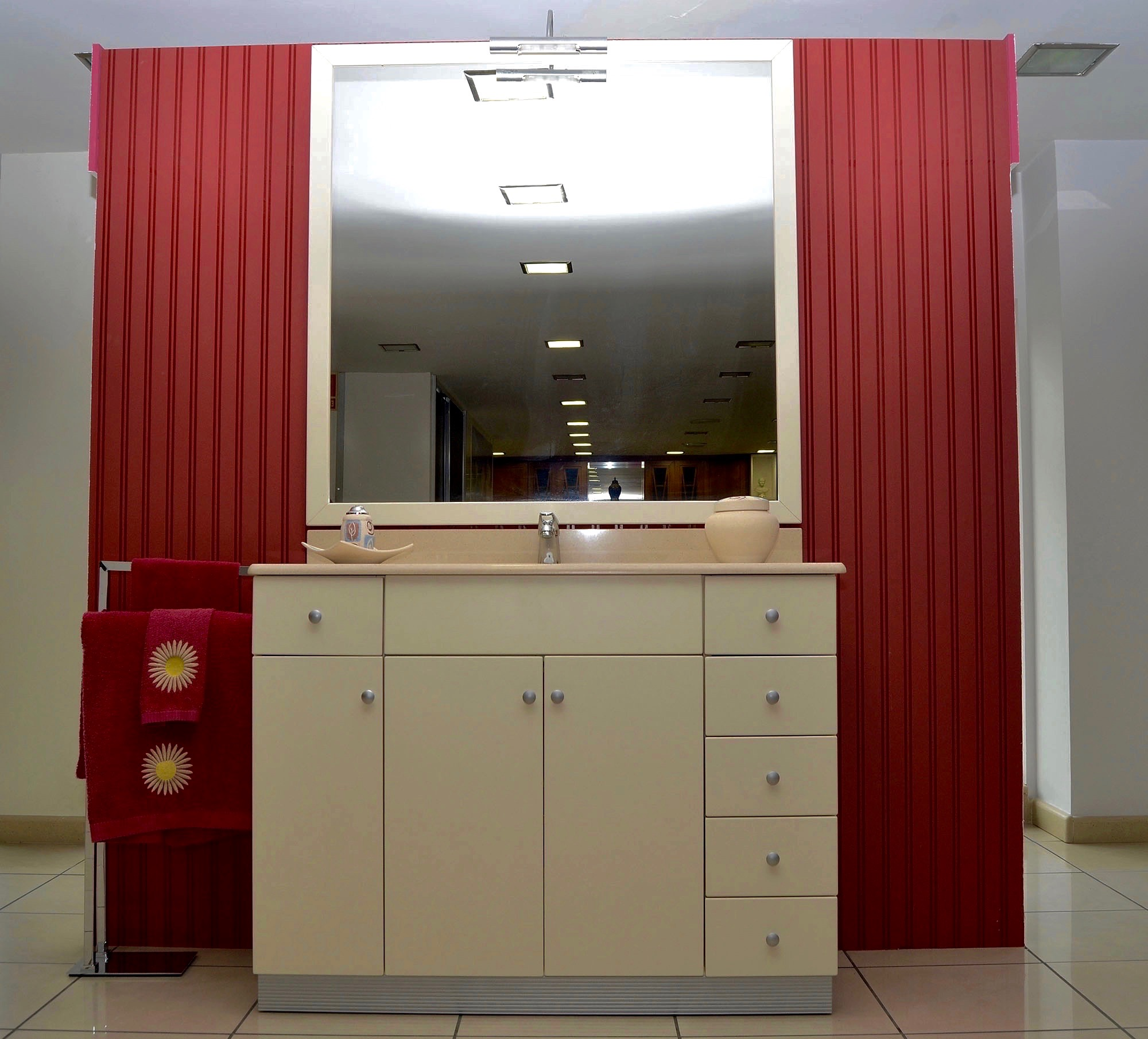 Nuestros ba os quality04 josman hermanos tienda de for Muebles para bano modernos y economicos