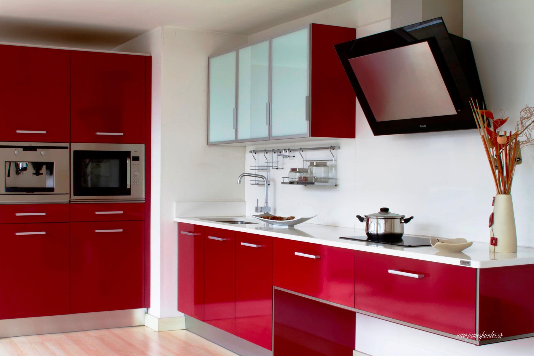 Nuestras cocinas elegantes03 josman hermanos tienda de for Muebles para bano modernos y economicos